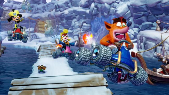 Se 20 minutters gameplay fra Crash Team Racing